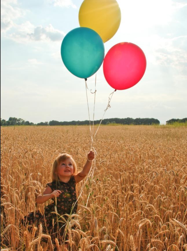 Photoshop调出外景儿童照片复古暖色结果,破洛洛