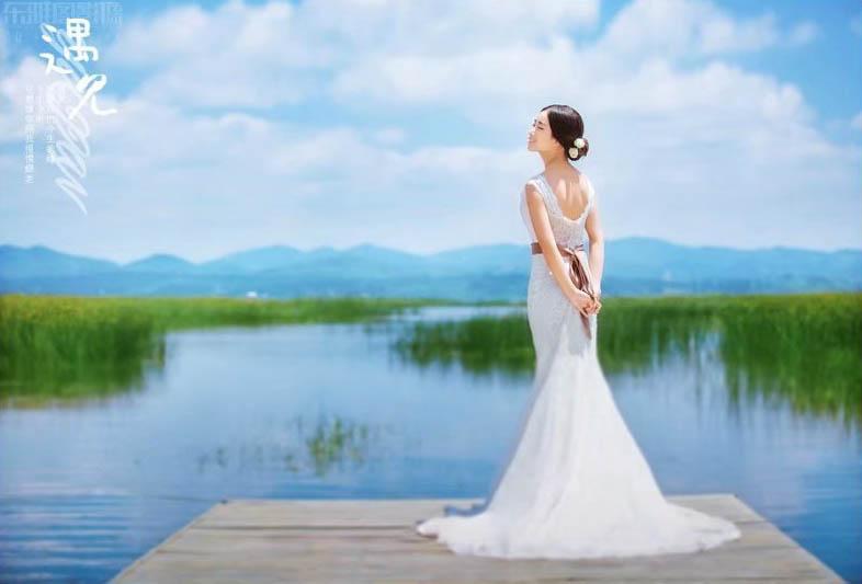 Photoshop调出外景婚片蓝色小清新艺术效果教程
